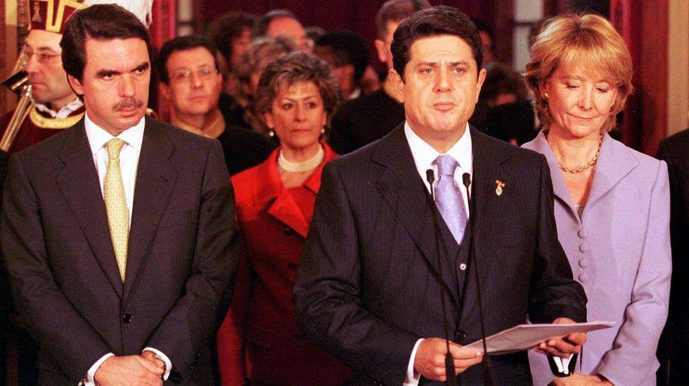 Junto a Aznar y Trillo, en 1999, en el día de la Constitución.