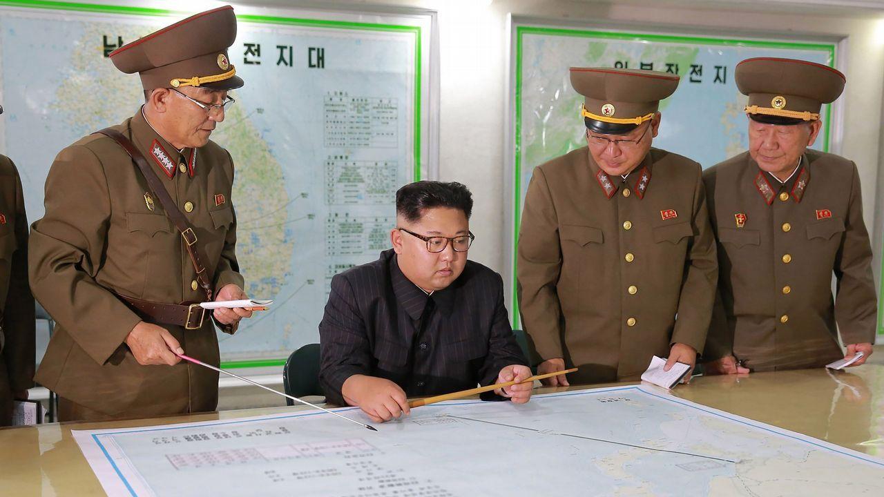 Kim Jong-Un, en una foto distribuida por la agencia oficial norcoreana KCNA