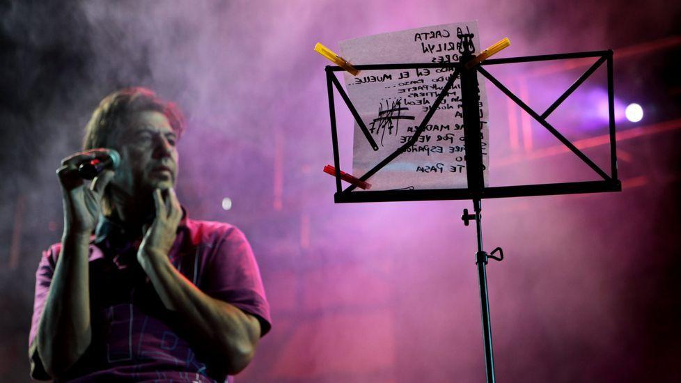 Un repaso en imágenes a la carrera de Manolo Tena.La banda folk Coanhadeira.