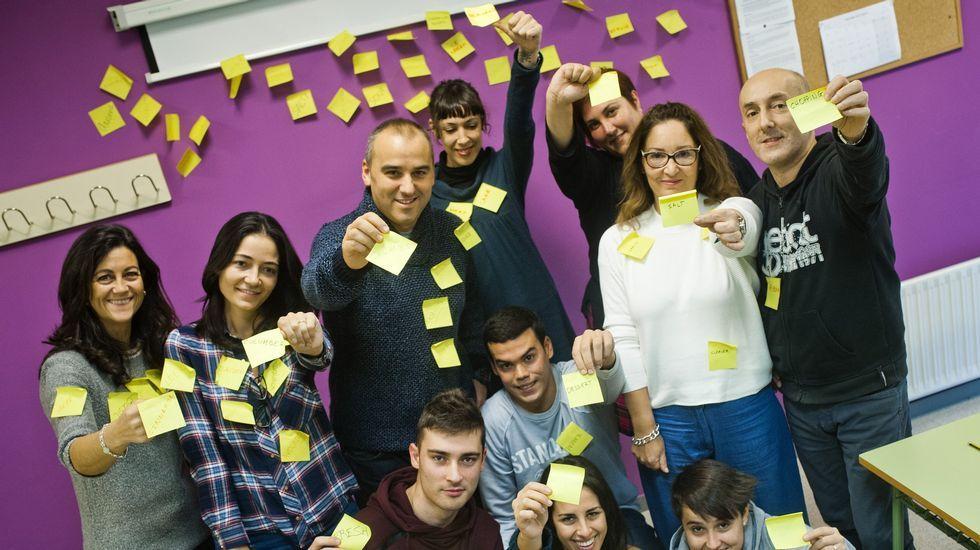 .Un grupo de alumnos de la escuela de idiomas de Ferrol.