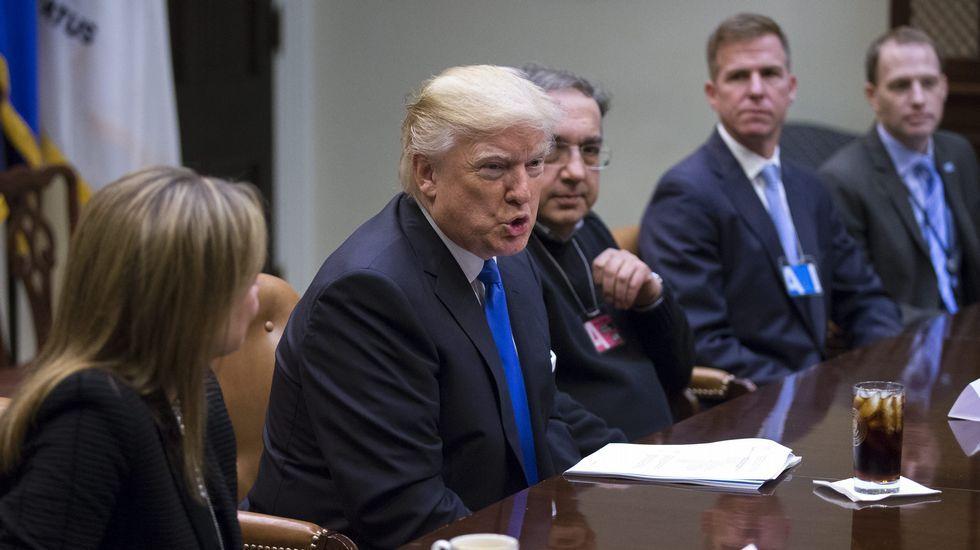 COMBOH.Donald Trump