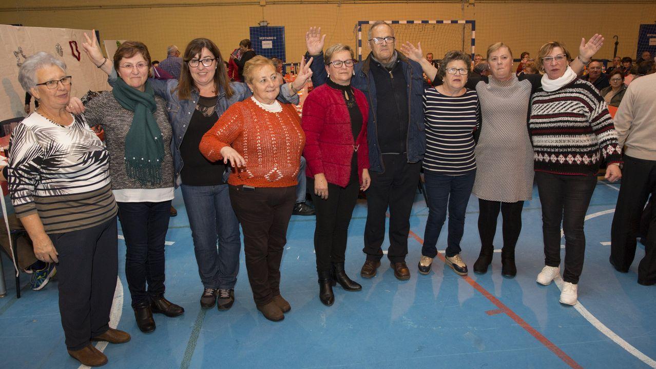 El encuentro anual de las Amas de Casa de Laxe, en imágenes: ¡búscate!.María Vázquez e Celso Bugallo, protagonistas de «Trote»