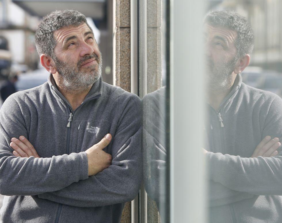Luis Caldevila estuvo de visita la semana pasada e instaló una de sus cámaras fijas en Navantia.