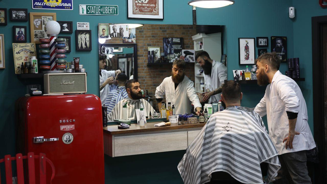 De ruta por barberías ourensanas.