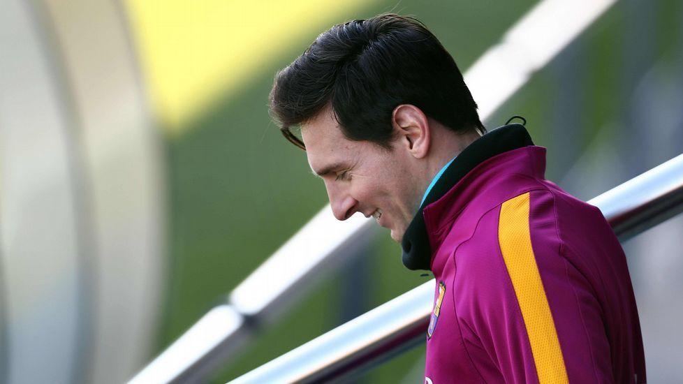 El 13 de junio del 2013, Leo Messi y su padre, Jorge Horacio Messi, utilizaron un despacho uruguayo para constituir una sociedad panameña con la que habrían facturado sus derechos de imagen a espaldas de la Agencia Tributaria