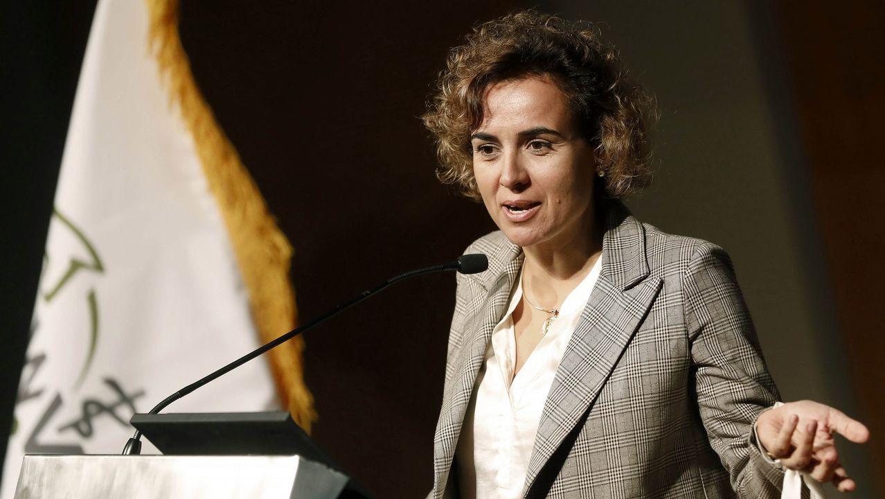 .La ministra de Sanidad, Dolores Montserrat, acusó a Puigdemont de alargar «la agonía que el mismo ha creado entre catalanes»