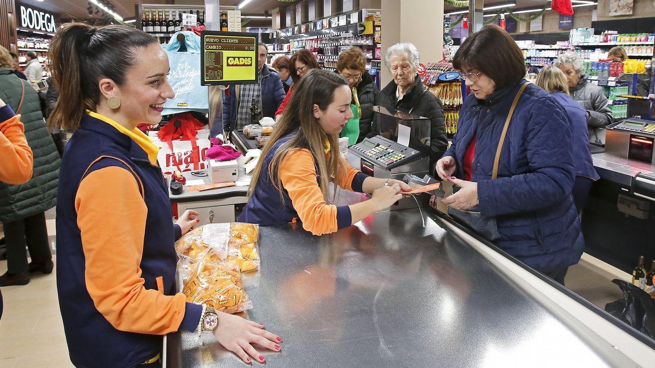 Supermercado Gadis en la calle Oliva