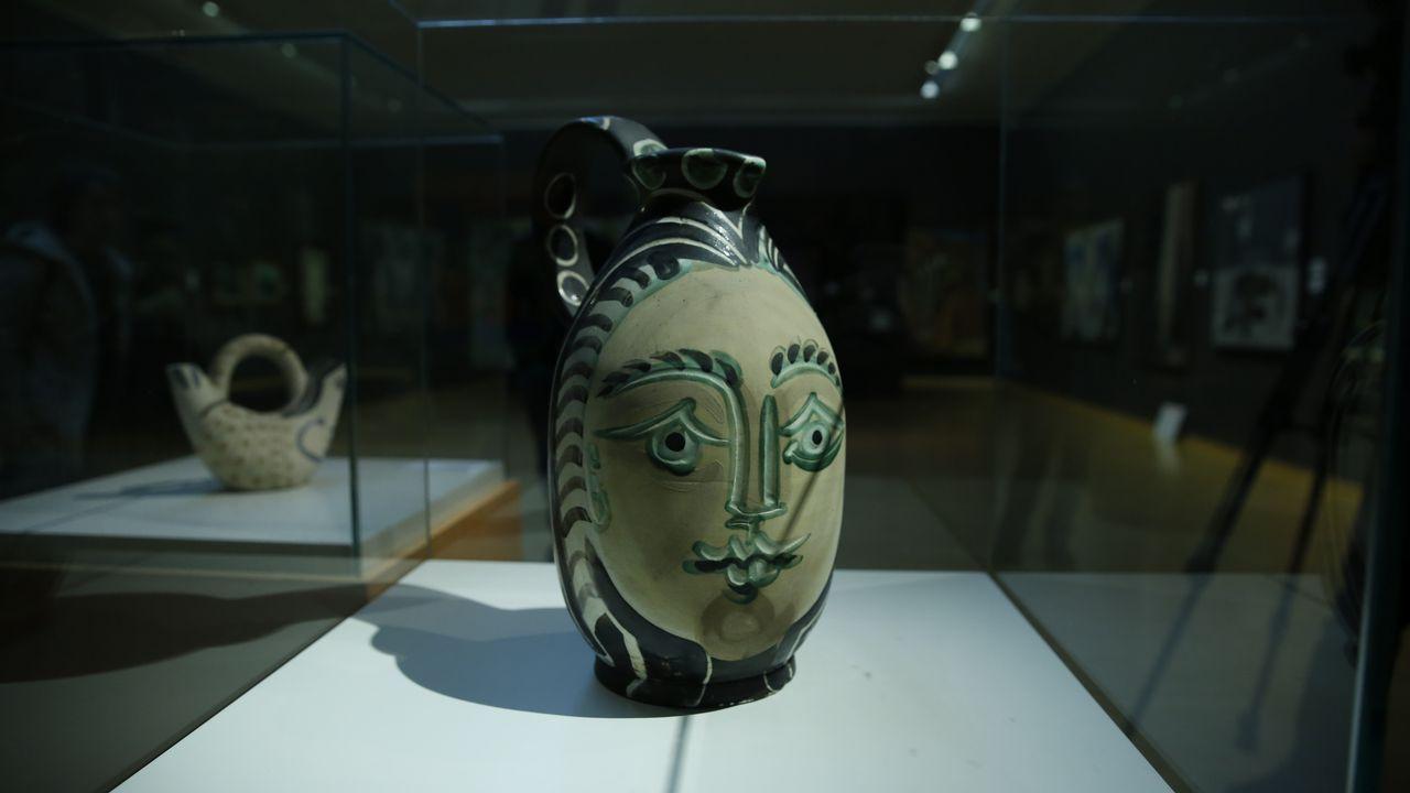 Vista de las dos cerámicas de Picasso