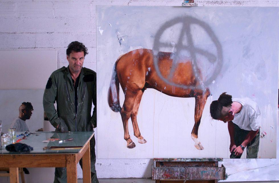 Chris Steven es pintor figurativo originario del Reino Unido y con exposiciones realizaras por todo Europa.