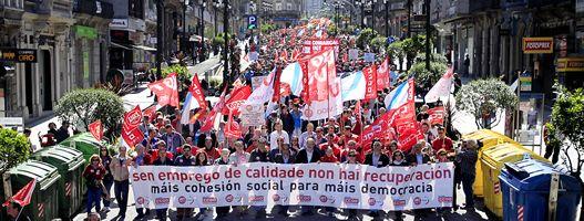 Foto Vigo.Manifestación de UGT y CC. OO. en A Coruña