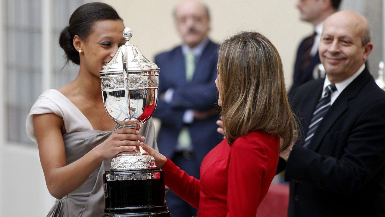 Junto a la gallega Ana Peleteiro en la entrega de los premios Nacionales del Deporte en el 2013