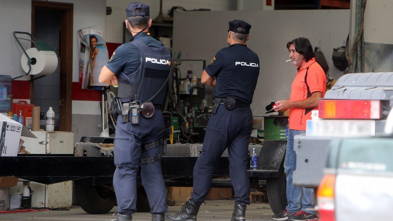 José Andrés Bóveda Ozores, Charly, durante el registro del astillero