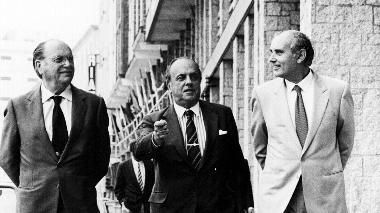 .Fraga, Fernández Albor y Romay Beccaria paseando por A Coruña
