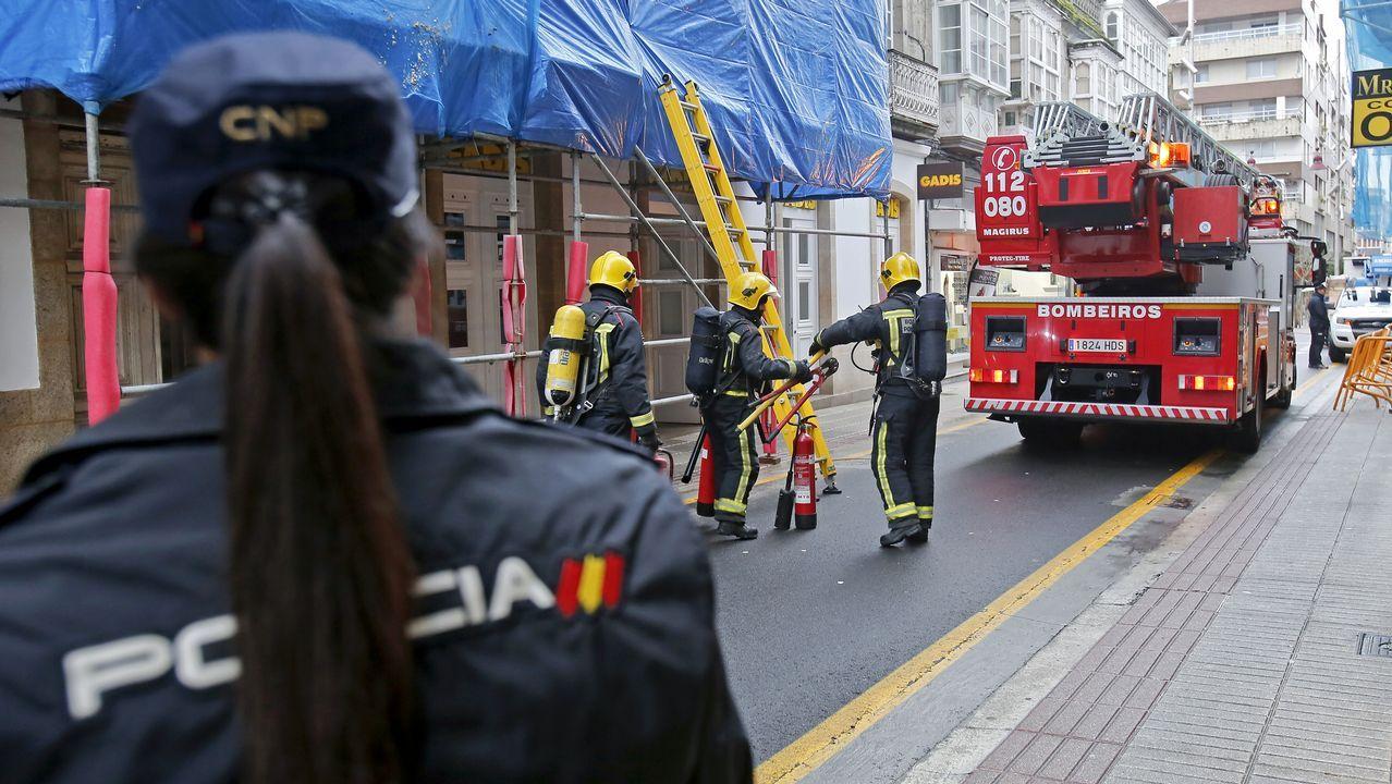 Incendio en un edificio de la calle Oliva