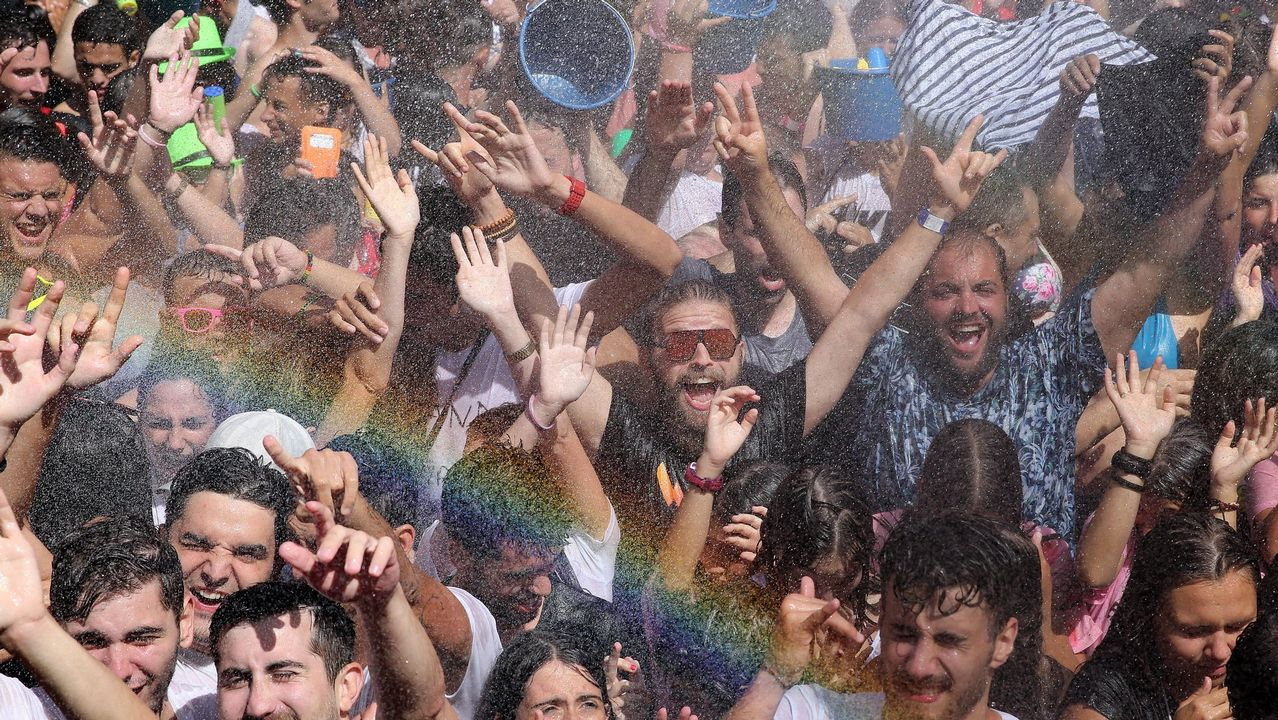 Búscate en las imágenes de la Fiesta del Agua