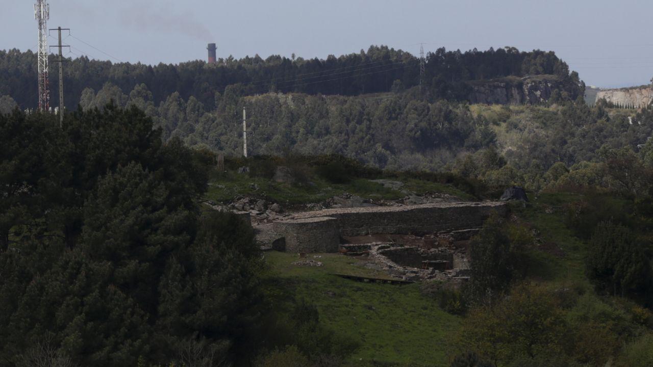Saneamiento de altura en Azcárraga.Maica y Rosa empezaron a trabajar en el ámbito de la encuadernación en 1987