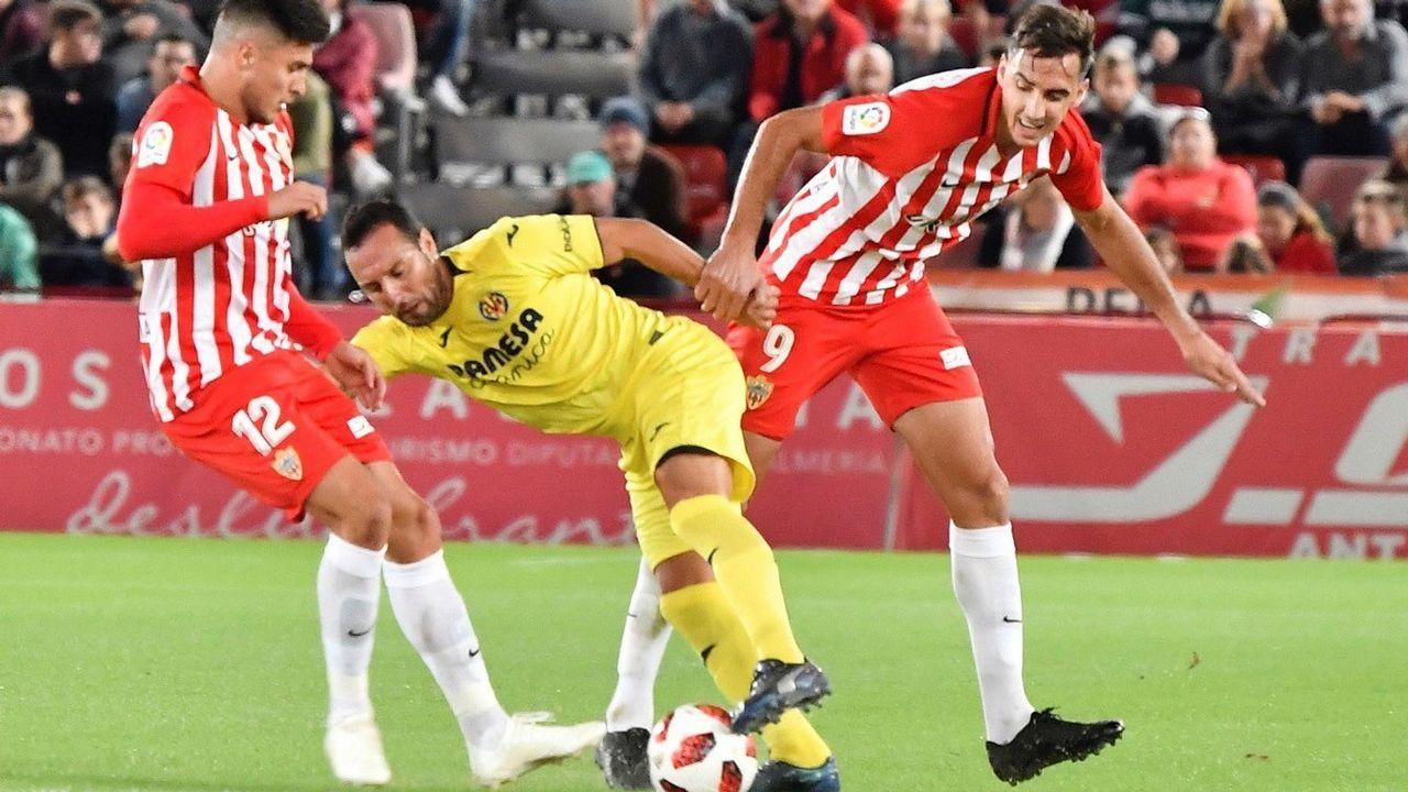 El Deportivo vuelve al trabajo pensando en Almería.Cabecera de la manifestación en defensa de Alcoa en Avilés