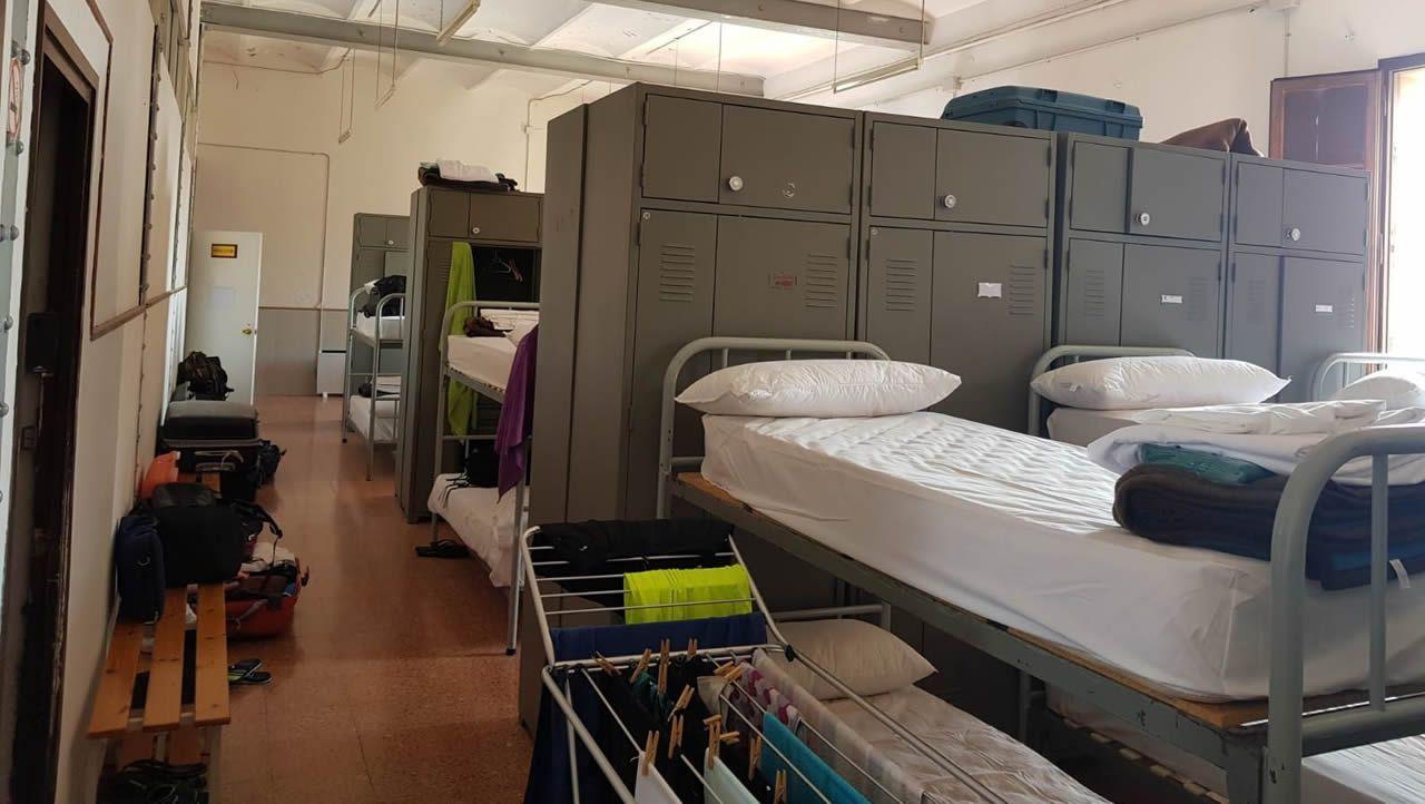 Así son las «habitaciones» de los agentes desplazados a Cataluña.
