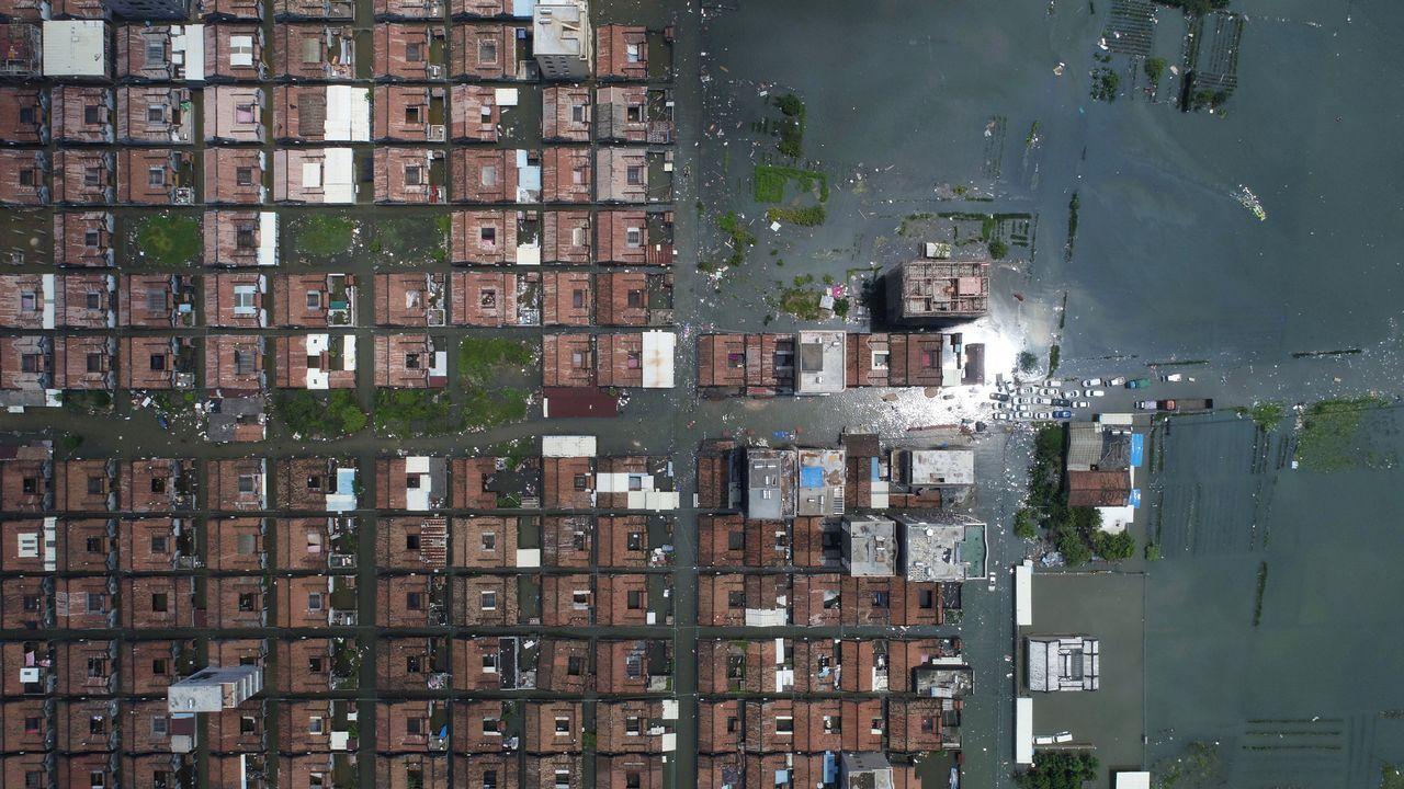 Casas sumergidas tras las fuertes inundaciones en Shantou, China
