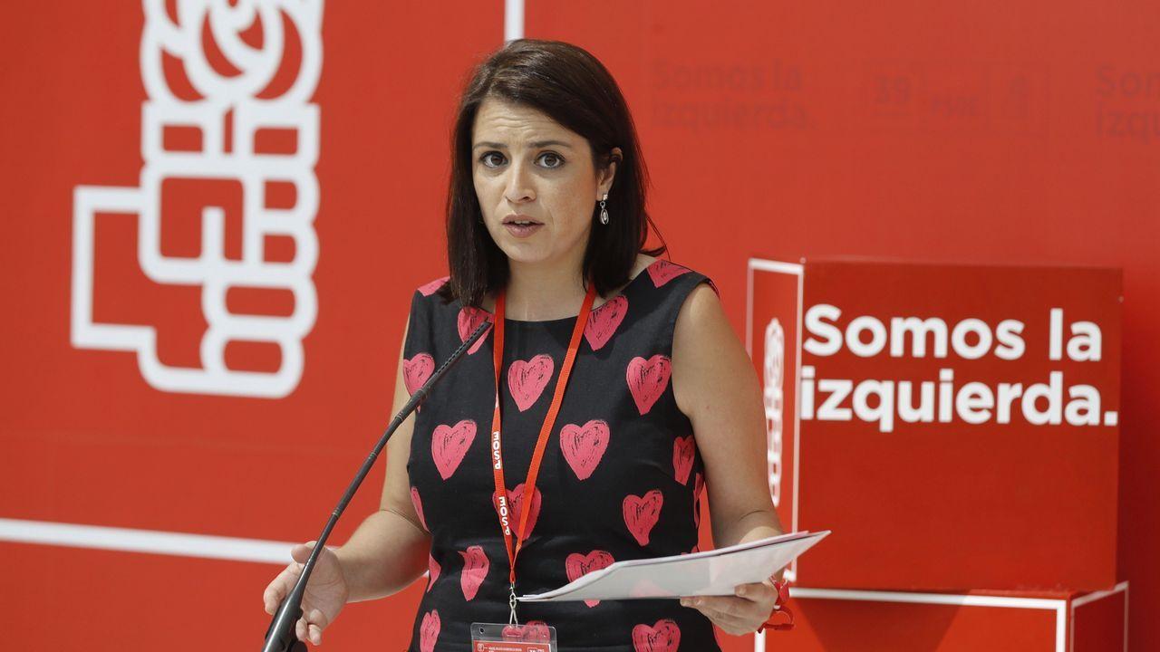 Así está la pasarela que uneSanta Mariña y el Ensanche A.La diputada del PSOE Adriana Lastra presentó la estructura del congreso