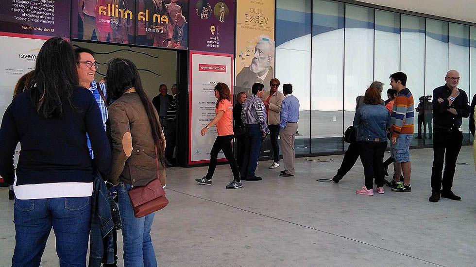 Un centenar de asturianos se presenta al casting de «Pasapalabra» en Avilés.Un centenar de asturianos se presenta al casting de «Pasapalabra» en Avilés