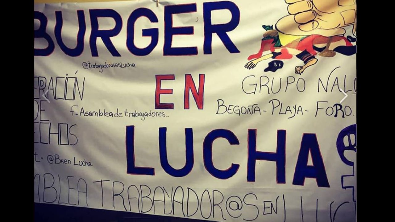 Pancarta protesta de los trabajadores de Burguer King Gijón