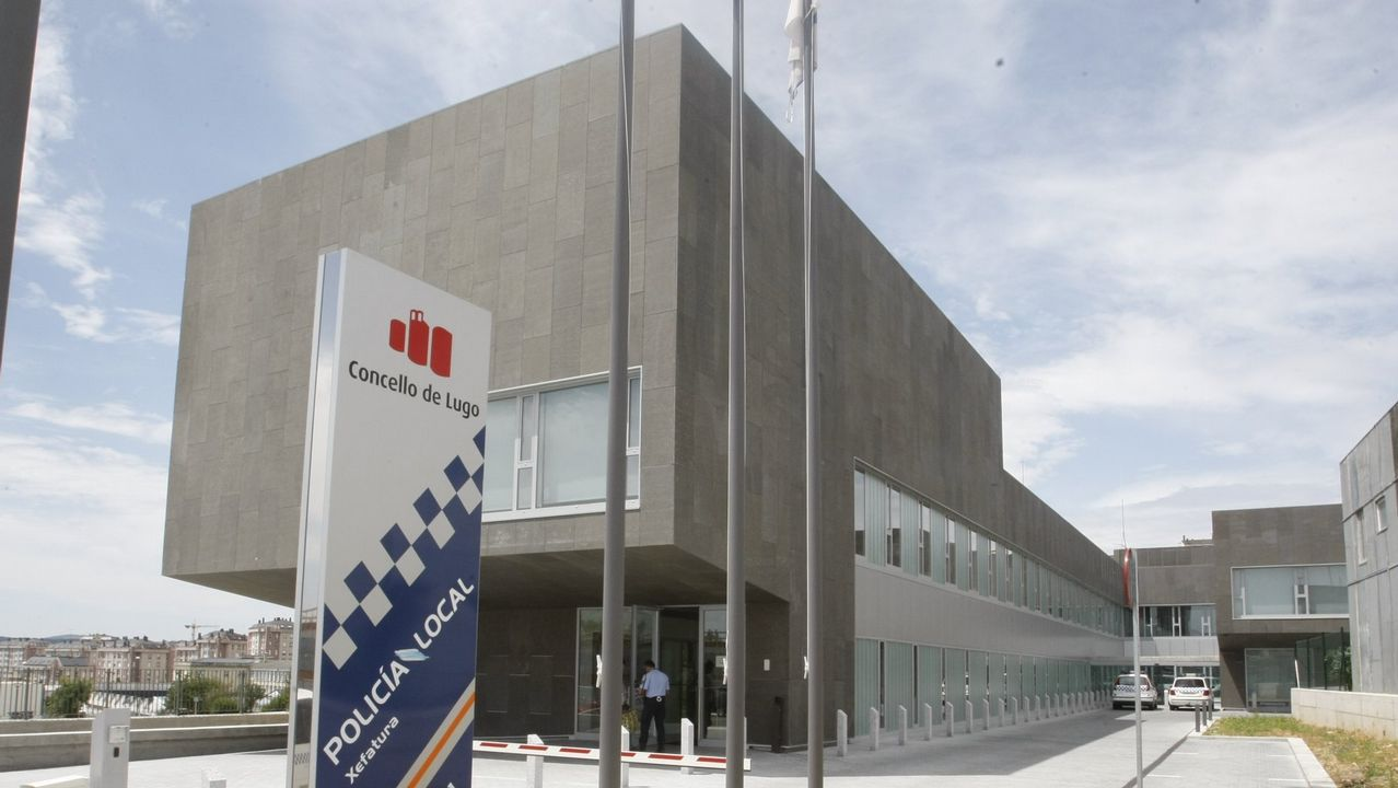 Un soldador en una industria asturiana