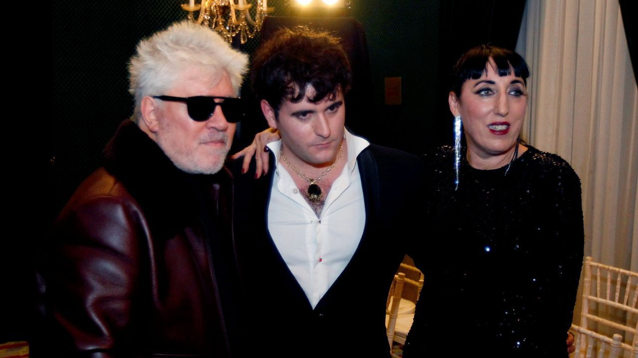 Palomo Spain junto Almodóvar y Rossy de Palma en la Madrid Fashion Week