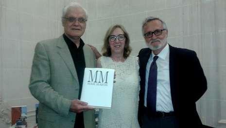 Víctor Freixanes, María A. González Encinar, del centro Cervantes Bruselas, y Xavier Alcalá.