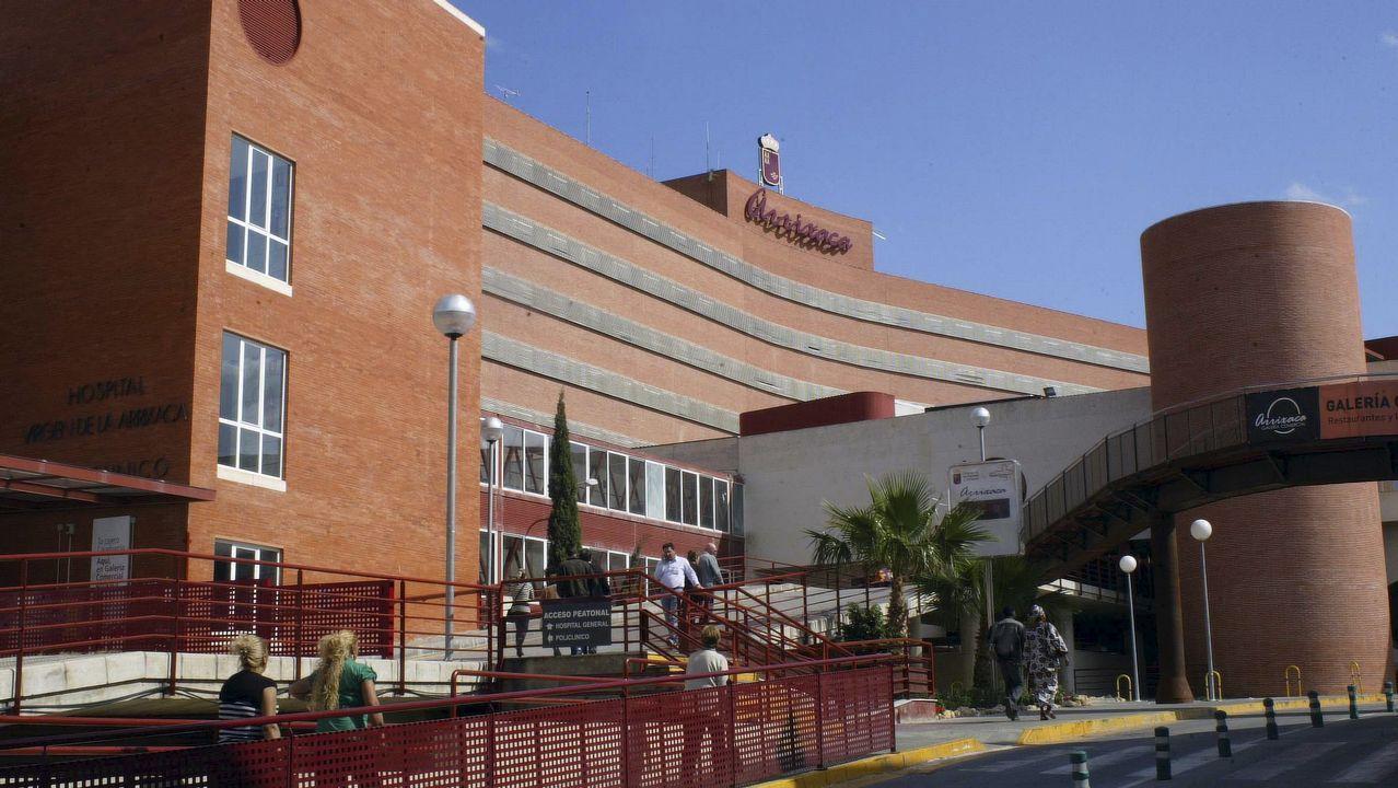 .Hospital Virgen de la Arrixaca, donde permanece ingresada la mujer que ha resultado herida por arma de fuego en Las Torres de Cotillas.