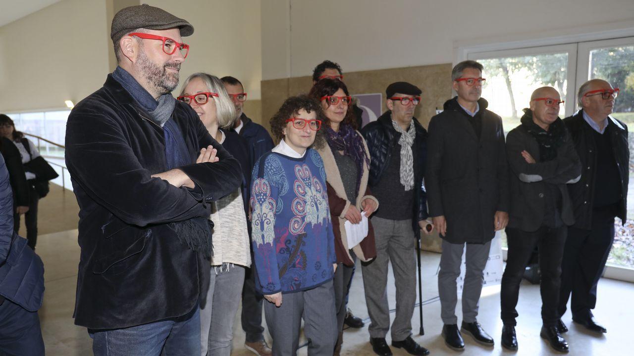 El alcalde de Teo y su muiñeira de concurso.Imagen de un encuentro celebrado en octubre que enfrentó al A. D. Zas Ponciano Nieto (izquierda) al Arteal.