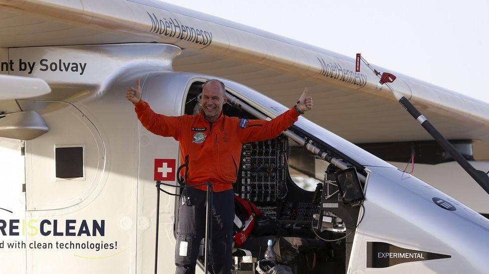 El avión solar Impulse II aterriza en Sevilla