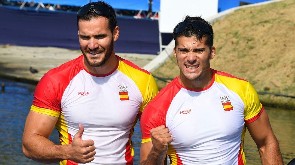 Este año, el piragüista Cristian Toro (derecha) ganó, junto al catalán Saúl Craviotto, la medalla de oro en la final del K-2 200 metros