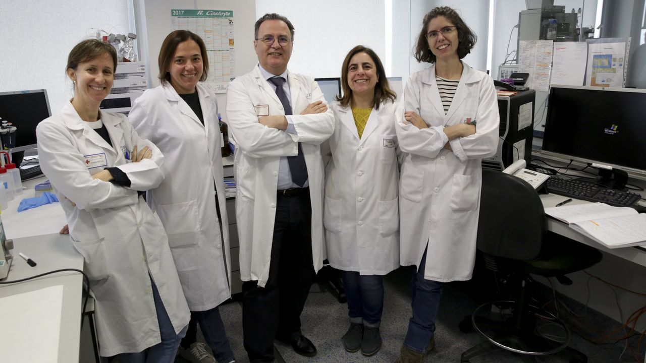 Se inaugura la unidad de Oncopediatría en el Materno infantil..DE IZQ. A DCH. LOS INVSTIGADORES DEL INIB CRISTINA RUIZ, VALENTINA CALAMIA, PACO BLANCO, PATICIA FERNANDEZ, ELENA FERNANDEZ