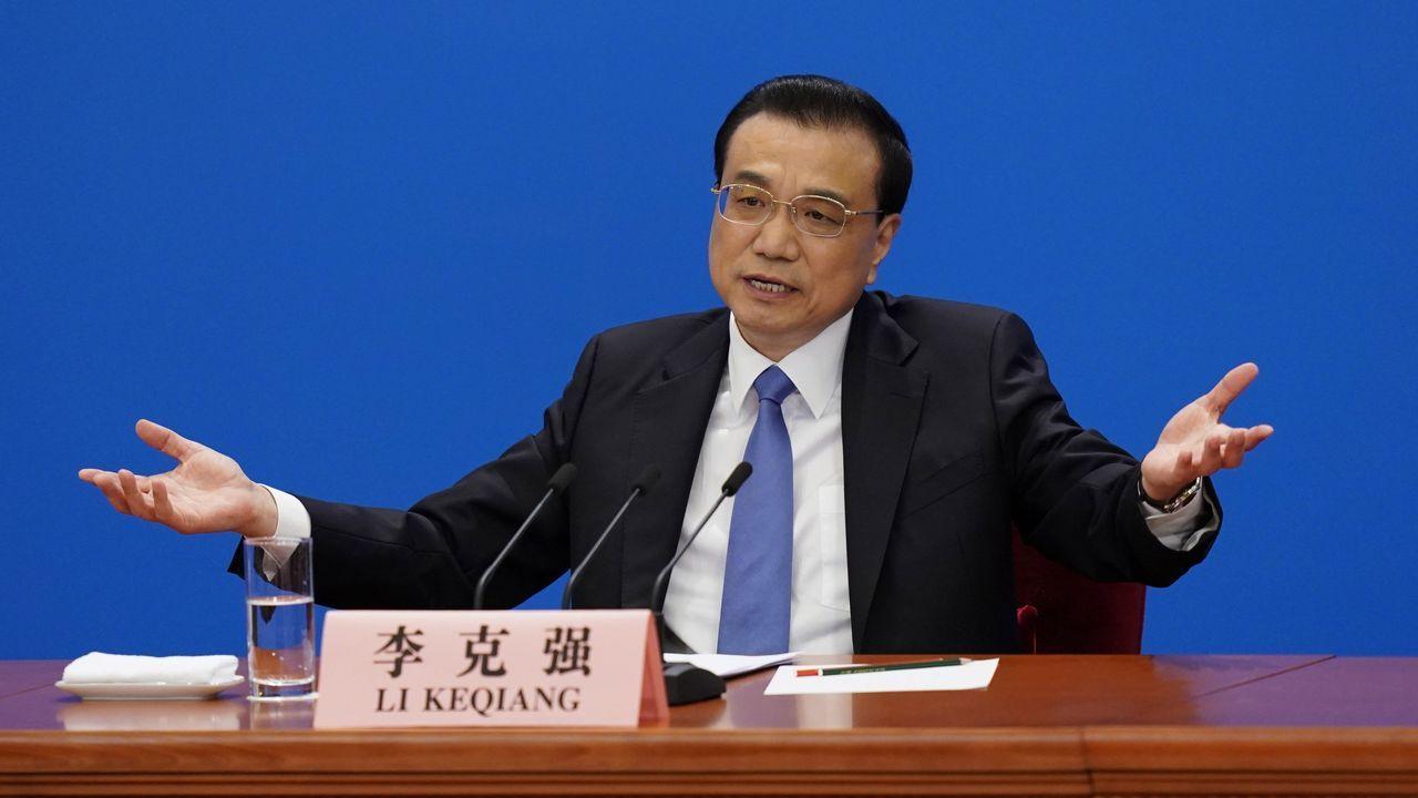 Las ruinas de Cedonosa.El primer ministro chino, durante la rueda de prensa, en las que preguntas están pactadas con semanas de antelación
