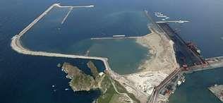 Vista aérea de la ampliación del puerto de El Musel, en Gijón, en una imagen tomada este verano