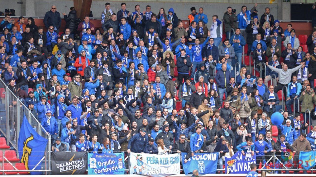 Aficion Real Oviedo Numancia Los Pajaritos.Aficion oviedista en Los Pajaritos