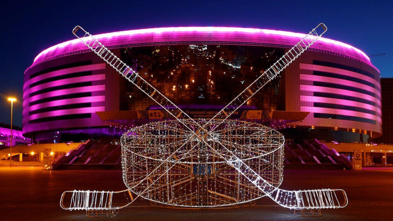 Vista general del Minsk Arena, en Bielorrusia, poco antes del apagado de luces