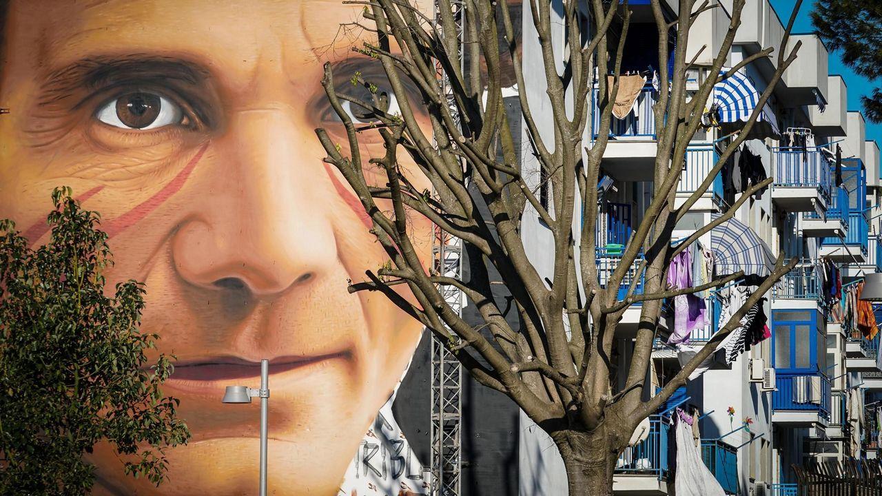 Vista general de un mural dedicado al escritor y cineasta italiano Pier Paolo Pasolini, en Nápoles