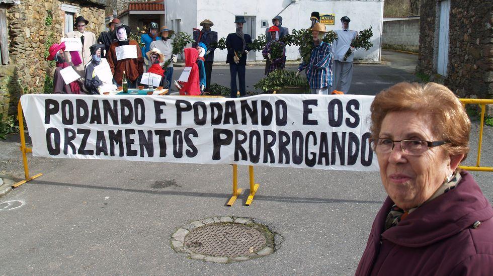 Os compadres non faltaron á cita no barrio de Rioseco, en Monforte