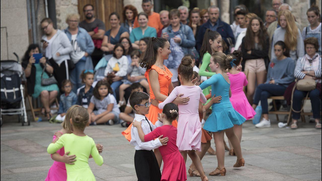 .Exhibición de bailes de salón, de Arte e Movemento