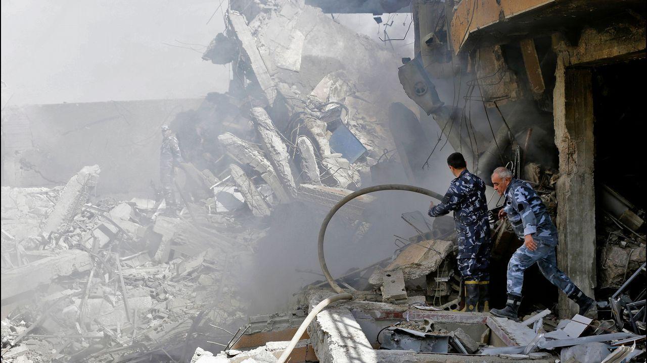 El antes y el después de los tres objetivos del ataque aliado sobre Siria.Los habitantes de Duma intentan sobrevivir en medio de las ruinas en que ha quedado la ciudad tras años de asedio