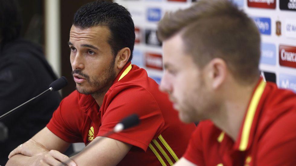 Pedro: «Nunca he tenido ningún problema con la selección. Estoy contento de volver».Del Bosque, rodeado de otros jurados del Premio Princesa del Deporte