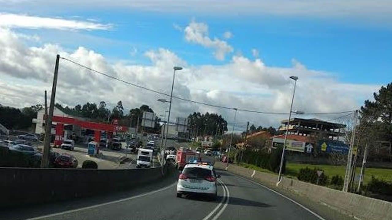 Vuelca un camión en la avenida de San Cristóbal.Juicio al Chapo Guzmán