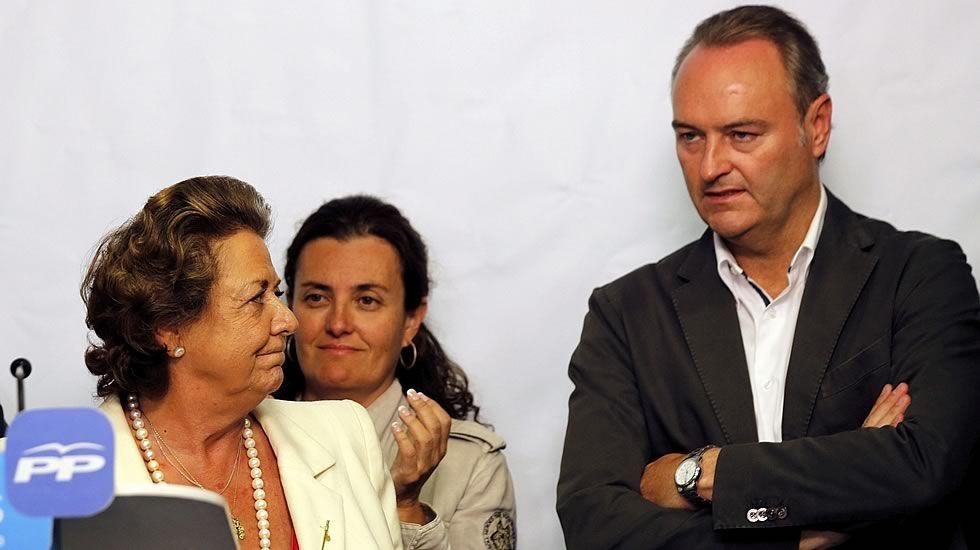 Los caídos con escaño en el Senado.Isabel Bonig, a la izquierda, en compañía de Rita Barberá, María Dolores de Cospedal y Alberto Fabra
