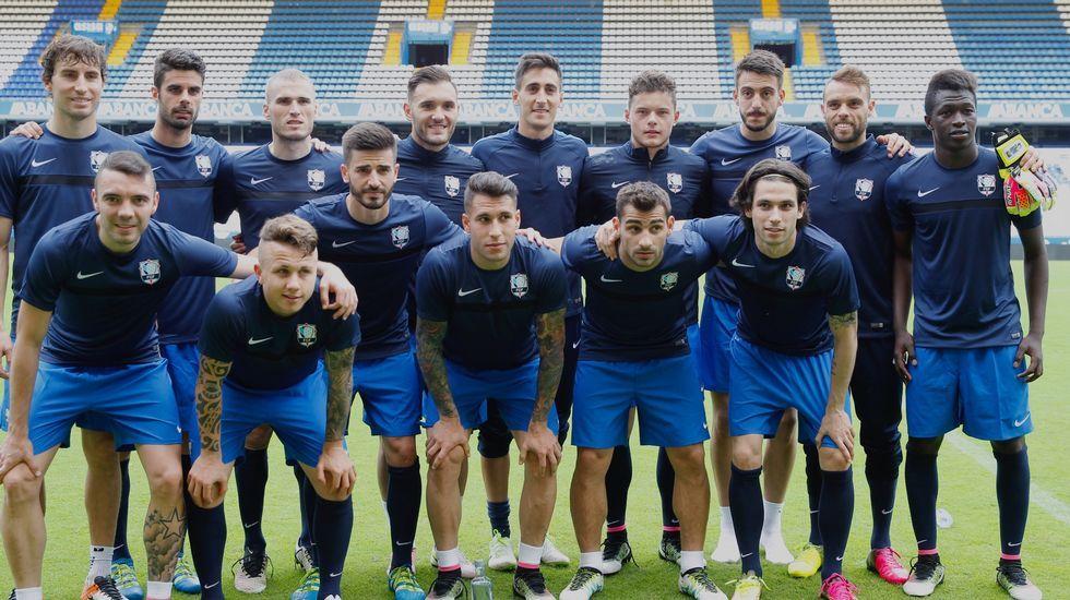 La selección gallega se entrena en Riazor.