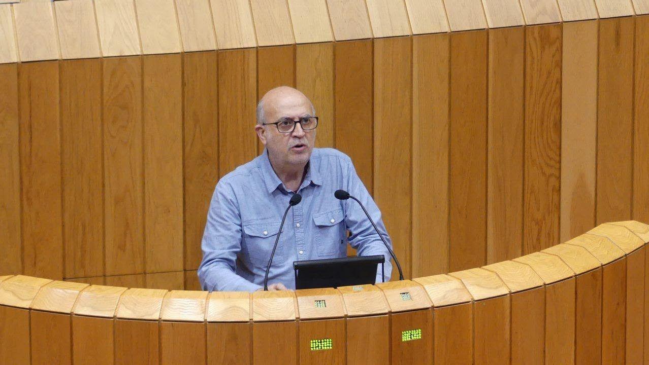 Pancho Casal (Parlamento de Galicia). Aunque entró con Podemos, hace poco dejó el partido morado, cada vez más integrado en En Marea y afín a Villares. De hecho, fue en su candidatura en las primarias