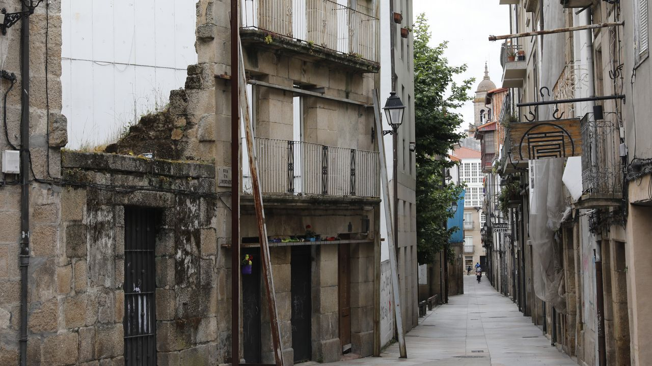 Y los vascos hicieron realidad la Ámsterdam española en Vitoria.La zona sur del casco histórico de Ourense concentra buena parte de los edificios en mal estado