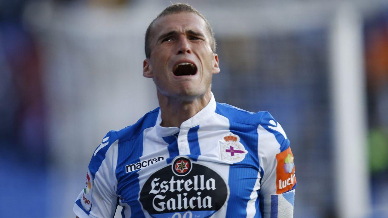 Rueda de prensa de Álex Bergantiños.Forlín, Carlos y Javi Hernández durante el Oviedo-Mallorca