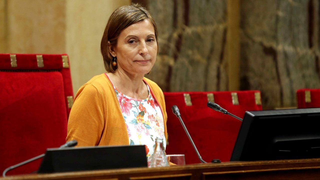 Puigdemont confirma que no acatará lo que diga el Tribunal Constitucional.Carme Forcadell, presidenta del Parlament